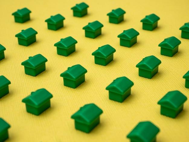 Fila di case, per il settore immobiliare