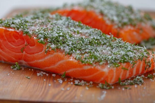 Filetti di salmone all'aneto
