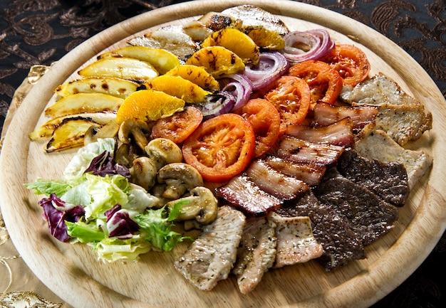 Filetto di pollo arrosto e verdure.