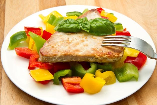 Filetto di tonno fritto con pepe