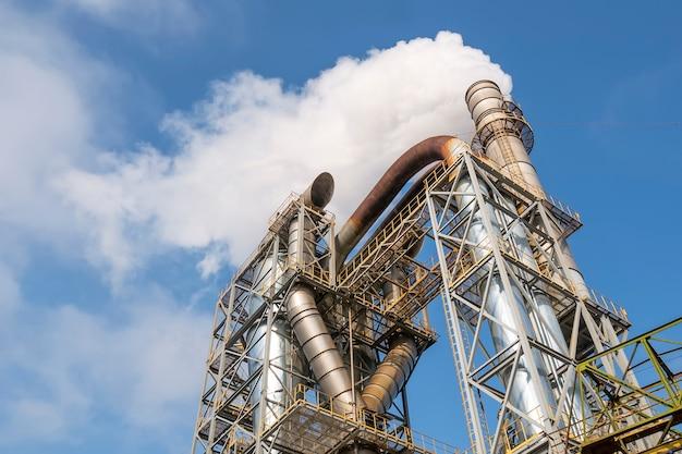 Filtri di purificazione dell'aria in una fabbrica di falegnameria