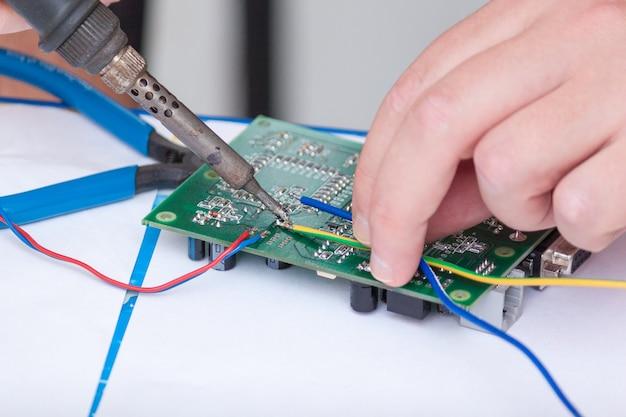 Fine del circuito elettronico