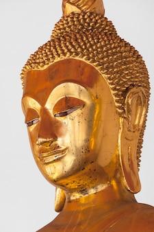 Fine della testa della statua di buddha su, la tailandia