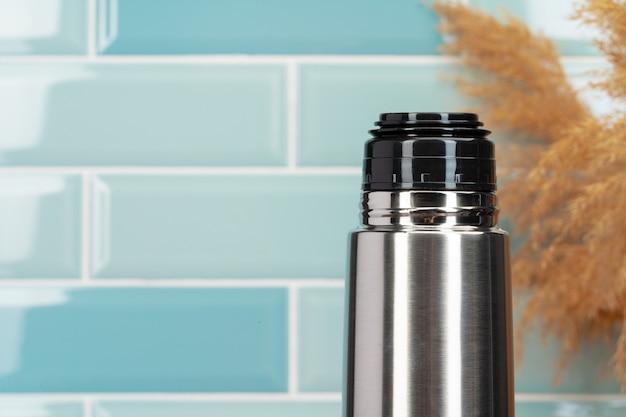Fine di alluminio della bottiglia del contenitore del termos del metallo su