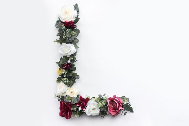 Fiore lettera l monogramma floreale foto gratis