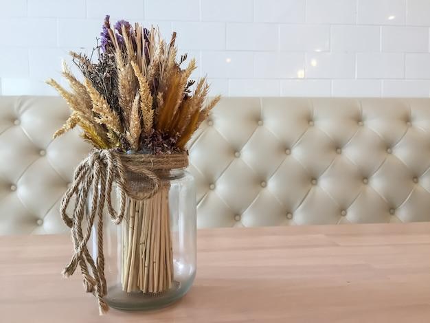Fiori in vaso per la decorazione