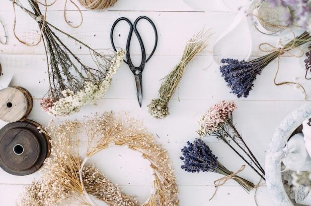 Fiori secchi per la decorazione interna