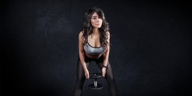 Fitness donna treni sportivi