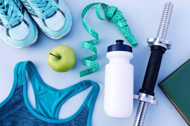 Fitness, stili di vita sani e attivi. posto per il testo
