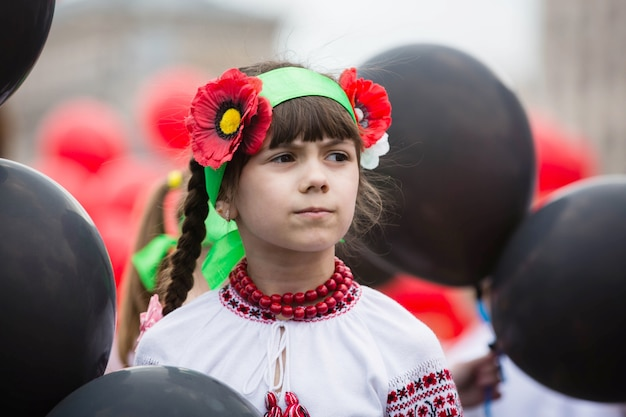 Flashmob poppies of memory in piazza indipendenza a kiev