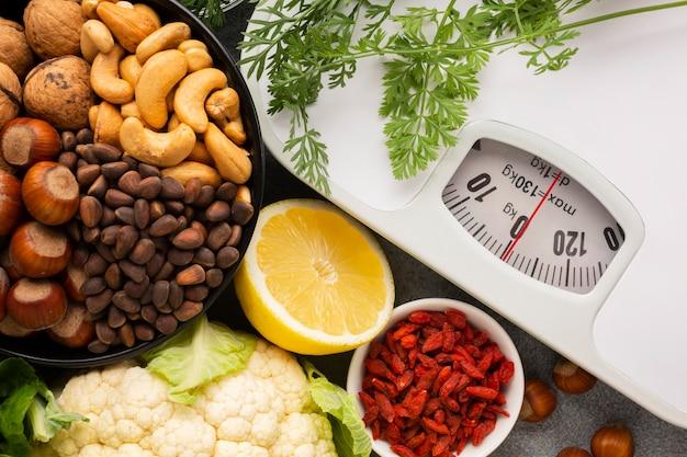 Flay laici di generi alimentari e scala
