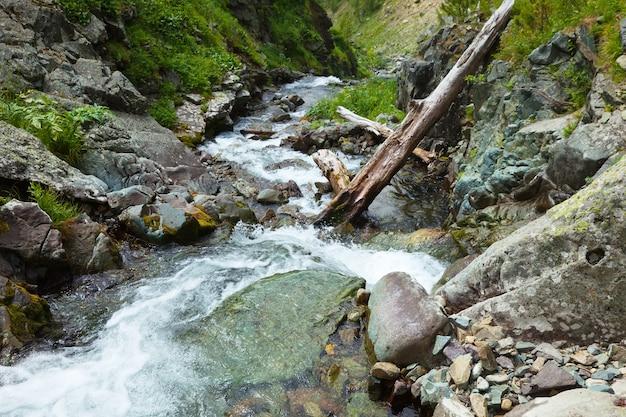 Flusso di montagne