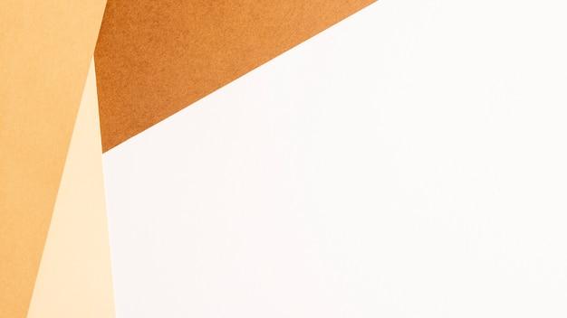 Fogli di cartone bianco minimalista con copyspace