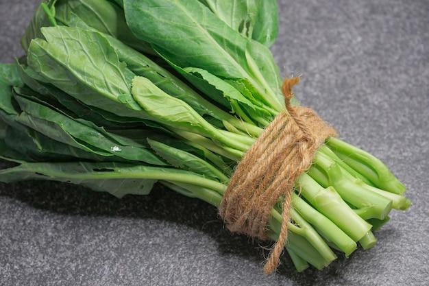 Foglia verde della verdura fresca del cavolo cinese