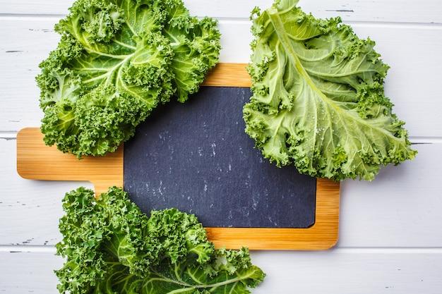 Foglie di cavolo verde insalata