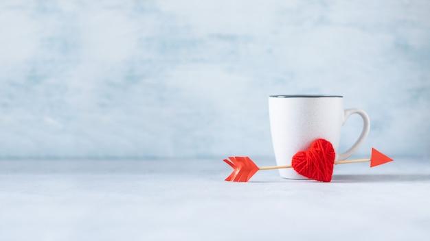 Fondo creativo minimo pastello di giorno di biglietti di s. valentino