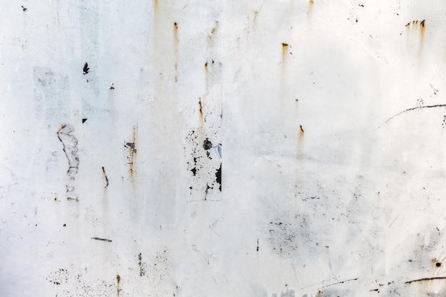 Fondo di struttura del metallo arrugginito indossato leggero. effetto vintage