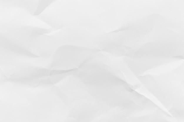 Fondo di struttura di carta riciclato bianco sgualcito.