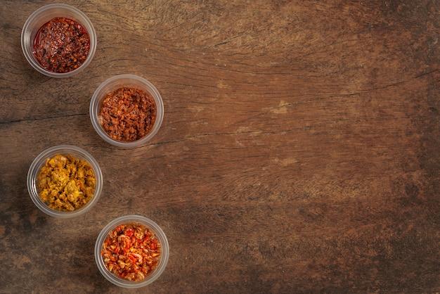 Fondo tailandese della pasta di peperoncino rosso di stile