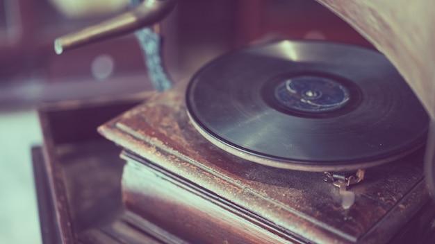 Fonografo nera da record musicale in vinile