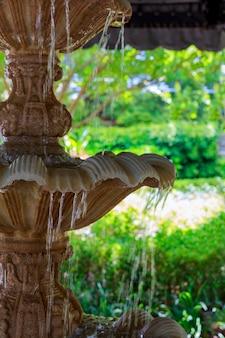 Fontana ad alta velocità dell'otturatore per congelare gocce d'acqua