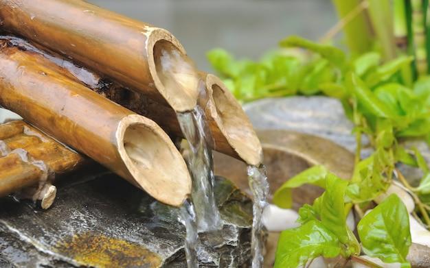 Fontana di bambù