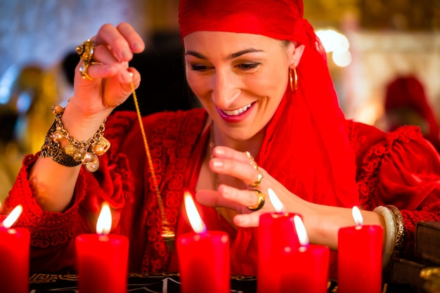 Fortuneteller durante la sessione del pendolo