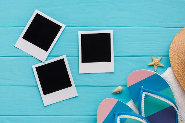 Foto piatte polaroid con il concetto di spiaggia