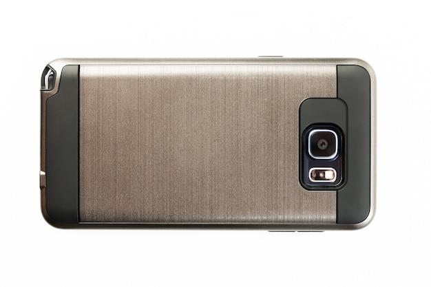 Fotocamera digitale per cellulare. primo piano della lente di macchina fotografica di smartphone su fondo bianco isolato