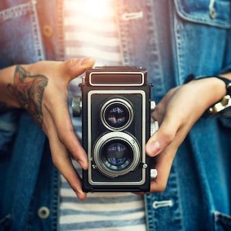 Fotocamera prendendo rilassante consapevolezza