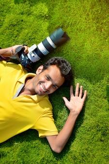 Fotografo con la macchina fotografica