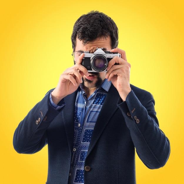 Fotografo di giovane uomo d'epoca