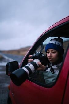 Fotografo naturalista femminile