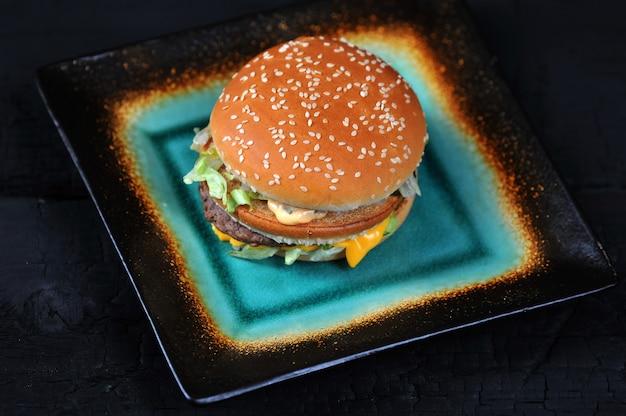 Fresco gustoso hamburger o hamburger