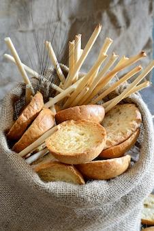 Freselle di pane nel sacco