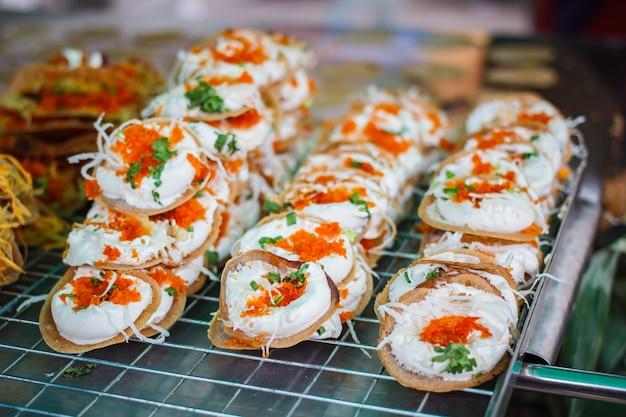 Frittella croccante tailandese fresca.