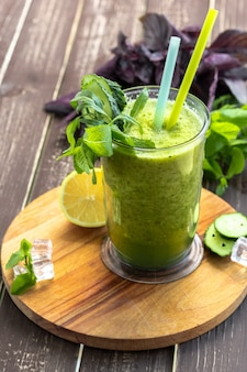 Frullato di verdure verde