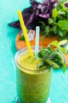Frullato di verdure verdi