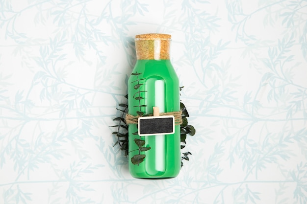 Frullato verde con lavagna mock-up