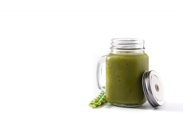 Frullato verde sano con spinaci, menta, kiwi, zenzero e verde