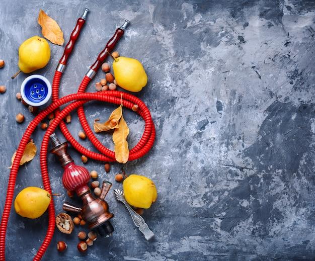 Frutta con narghilè