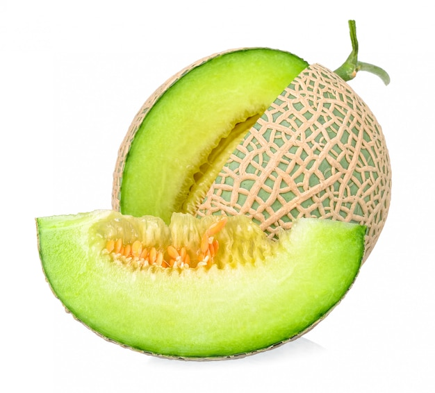 Frutta del melone isolata sui precedenti bianchi