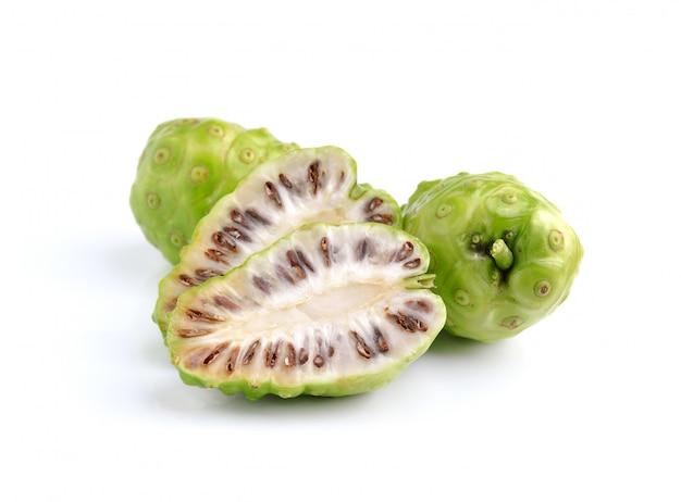 Frutta esotica - noni su bianco