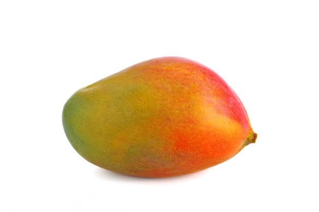 Frutta fresca del mango su bianco