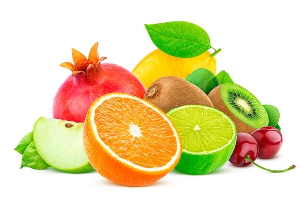 Frutta isolato su sfondo bianco