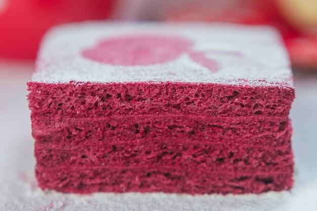 Frutta nosugar pastila, pasta di mele marshmallow come torta a strati cospargere di zucchero a velo