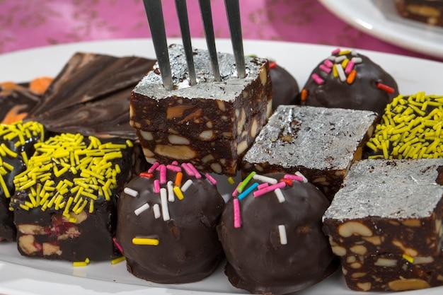 Frutta secca al cioccolato dolce