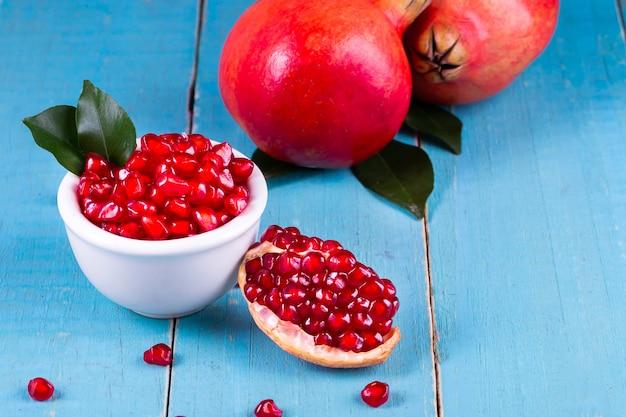 Frutti di melograno maturo