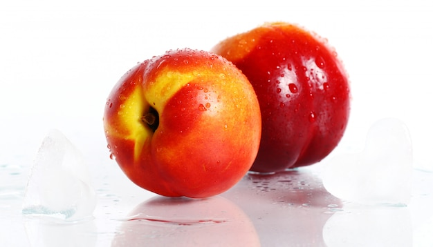 Frutti di nictarine freschi e umidi