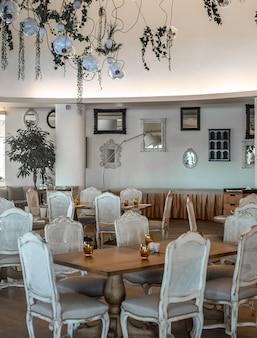Fucilazione della foto di interior design della sala per matrimoni